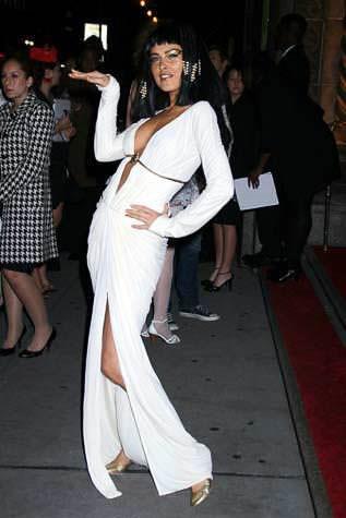 ハロウィンの衣装を身に纏いコスプレするスーパーモデルが美人すぎるwwww 0449