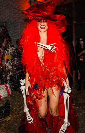 ハロウィンの衣装を身に纏いコスプレするスーパーモデルが美人すぎるwwww 0450