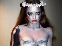 ハロウィンの衣装を身に纏いコスプレするスーパーモデルが美人すぎるwwww