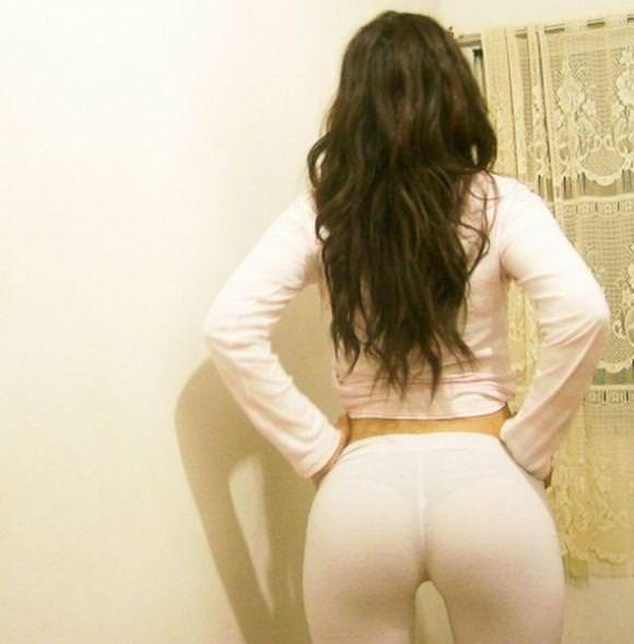 外人素人娘がライブチャットや自撮りでスパッツお尻を晒した流出画像wwww 0523