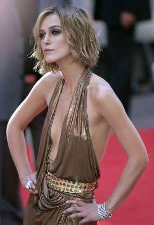 基本ノーブラがデフォの外人美女はいっつも乳首がもっこりしてる着衣おっぱいwww 1037