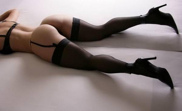 プリプリエロヒップのお姉さまに突っ込みたいお尻ポルノ画像wwww 2113