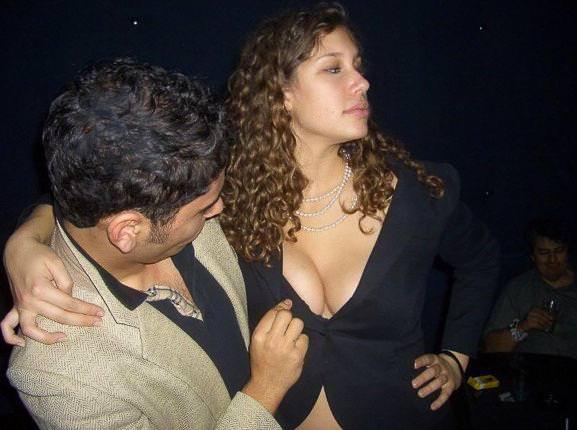 酒に酔っ払ったハイテンションな海外素人娘おふざけエロ画像wwww 2136