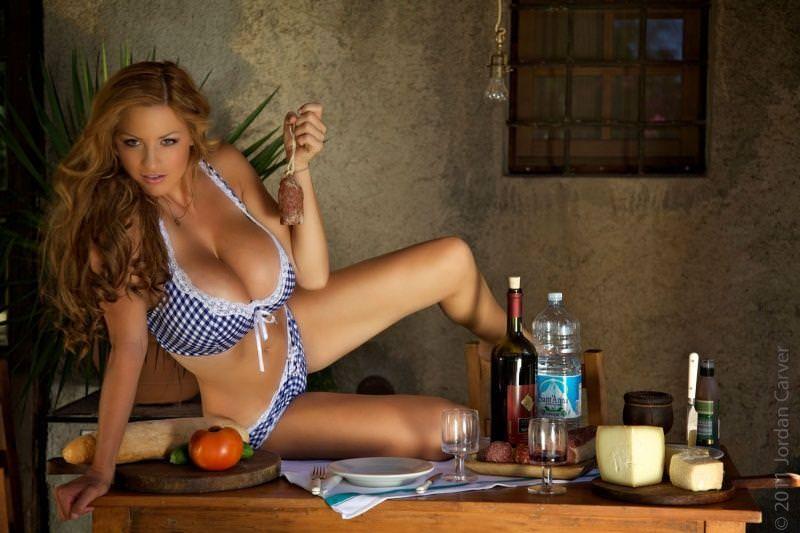 超美人なのに爆乳なドイツ人モデルのヨルダン・カーヴァーがクッソエロすぎて抜けるwwww 2618