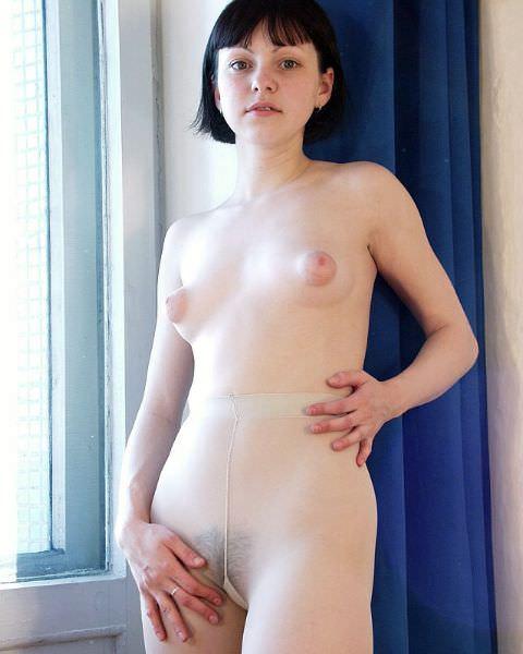 乳首吸い付きたくてたまんね~ぷっくり膨らむ外人美人の乳輪おっぱいがエロすぎwwww 294