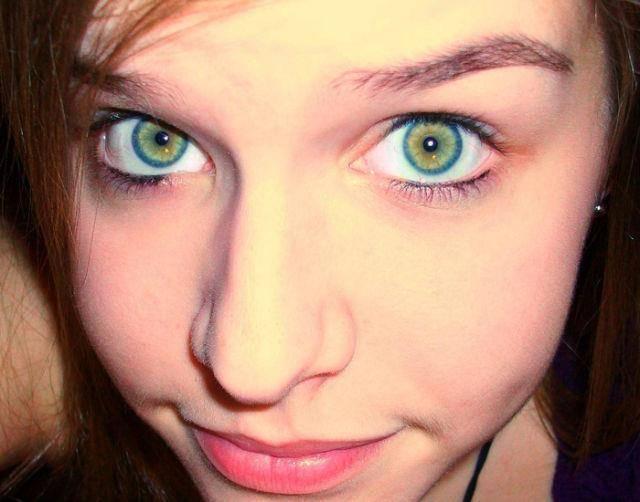 眼の色が宝石のように綺麗な色をしてる外人美人wwww 3001
