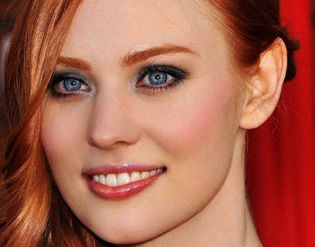 眼の色が宝石のように綺麗な色をしてる外人美人wwww 3005