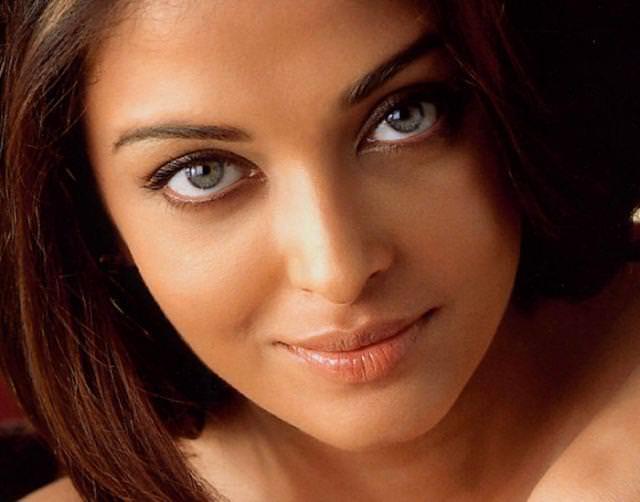 眼の色が宝石のように綺麗な色をしてる外人美人wwww 3007
