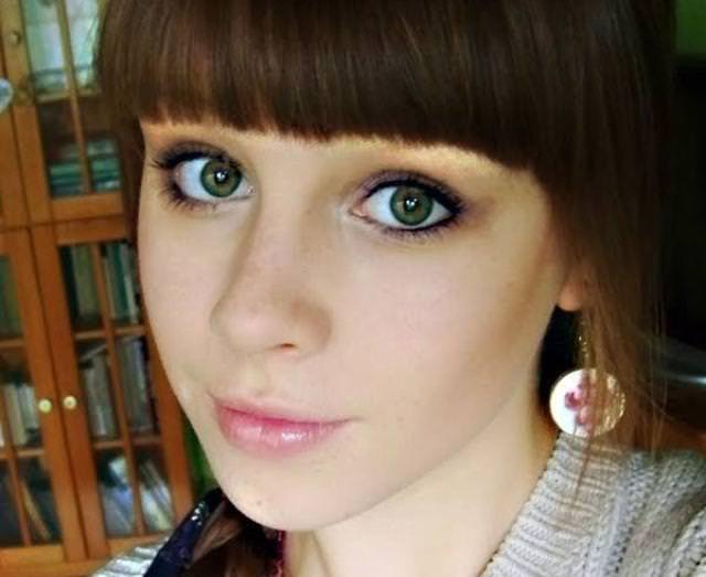 眼の色が宝石のように綺麗な色をしてる外人美人wwww 3008