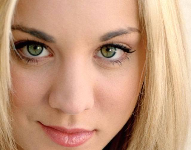 眼の色が宝石のように綺麗な色をしてる外人美人wwww 3009