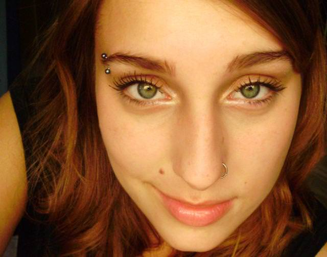 眼の色が宝石のように綺麗な色をしてる外人美人wwww 3011