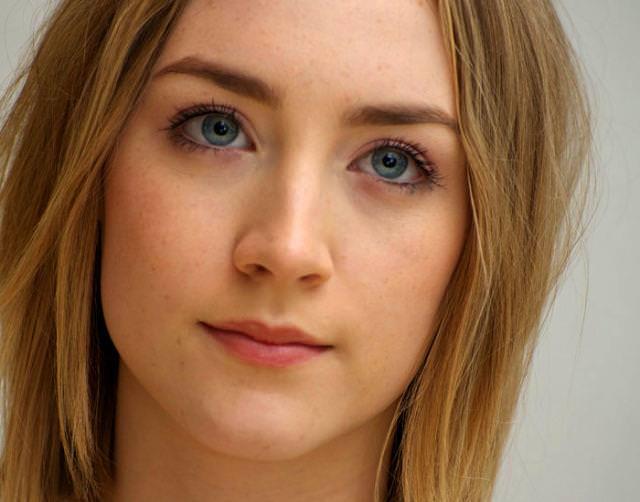 眼の色が宝石のように綺麗な色をしてる外人美人wwww 3015
