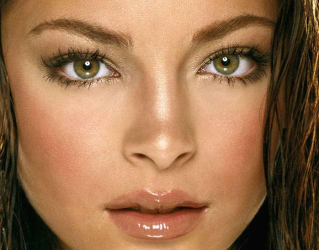 眼の色が宝石のように綺麗な色をしてる外人美人wwww 3018