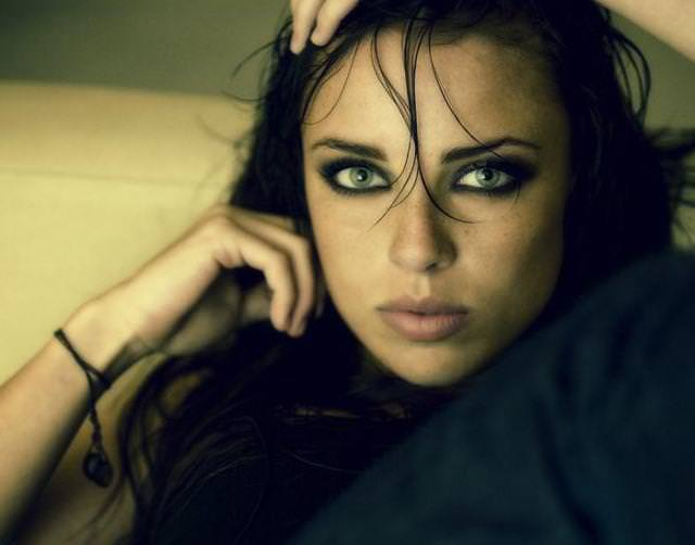 眼の色が宝石のように綺麗な色をしてる外人美人wwww 3019