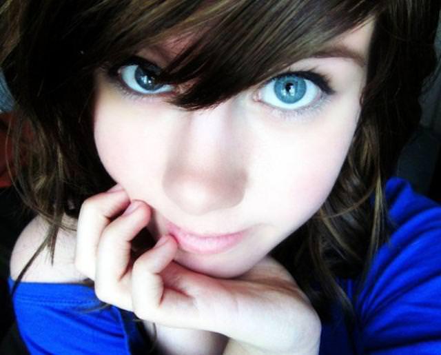 眼の色が宝石のように綺麗な色をしてる外人美人wwww 3023