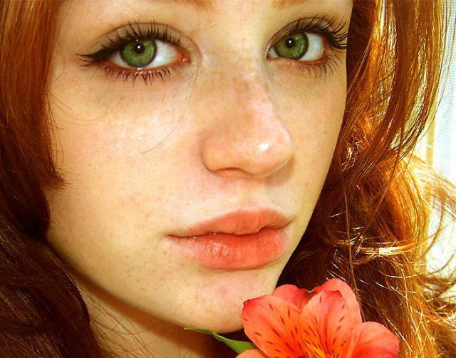 眼の色が宝石のように綺麗な色をしてる外人美人wwww 3025