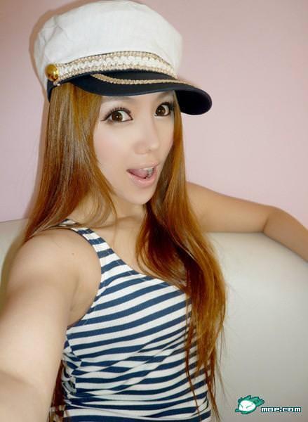 中国の美人すぎるギャル女教師・朱松花の自画撮りwwwww 0242