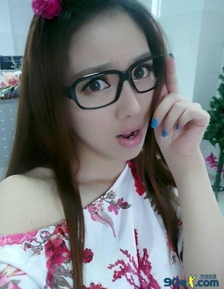 中国の美人すぎるギャル女教師・朱松花の自画撮りwwwww 0247