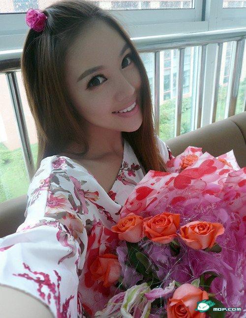 中国の美人すぎるギャル女教師・朱松花の自画撮りwwwww 0249