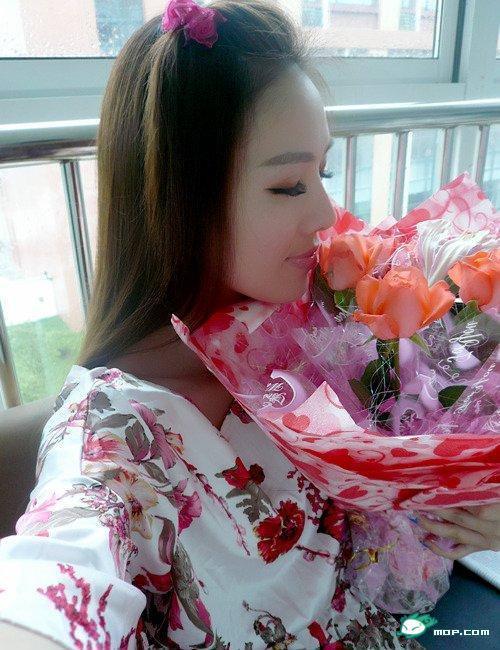 中国の美人すぎるギャル女教師・朱松花の自画撮りwwwww 0250