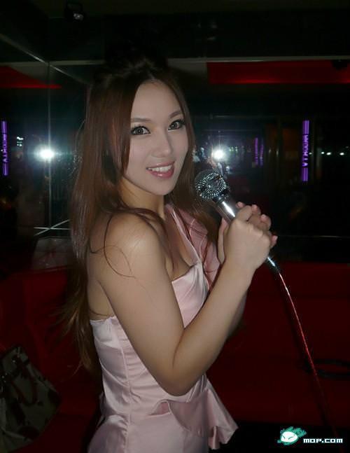 中国の美人すぎるギャル女教師・朱松花の自画撮りwwwww 0261
