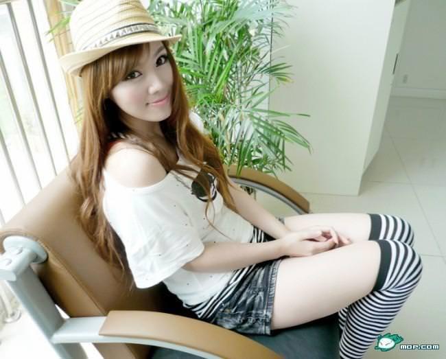 中国の美人すぎるギャル女教師・朱松花の自画撮りwwwww 0264