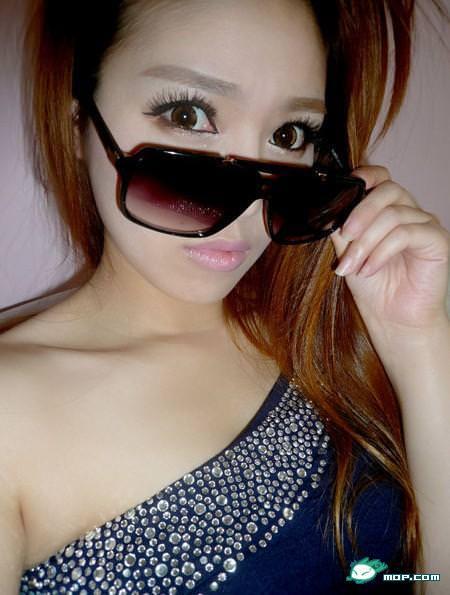 中国の美人すぎるギャル女教師・朱松花の自画撮りwwwww 0271