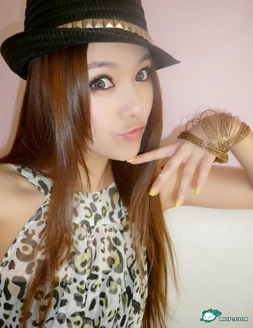 中国の美人すぎるギャル女教師・朱松花の自画撮りwwwww 0277
