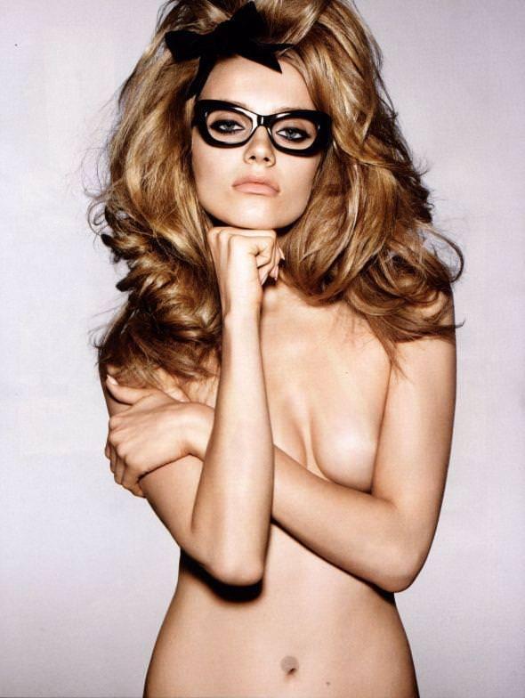 メガネっ娘女子が好きなのは万国共通な海外美人www 0437