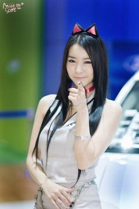 エロ可愛い決めポーズしてる韓国人キャンペーンガールwww 0802