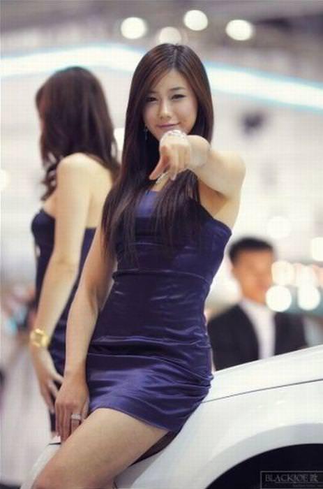 エロ可愛い決めポーズしてる韓国人キャンペーンガールwww 0806