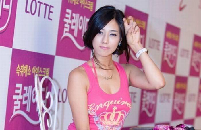 エロ可愛い決めポーズしてる韓国人キャンペーンガールwww 0816