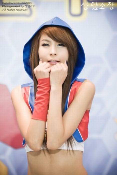 エロ可愛い決めポーズしてる韓国人キャンペーンガールwww 0822