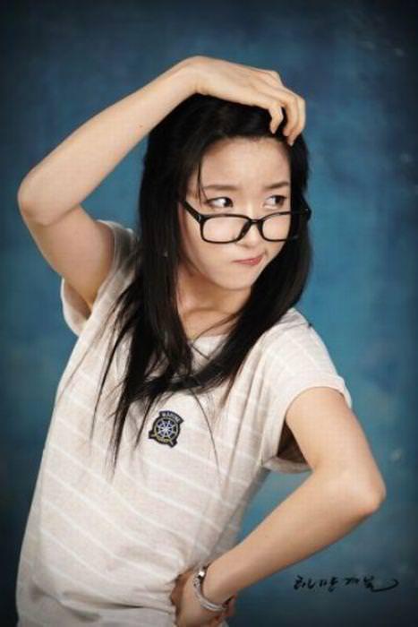 この顔みるとムズムズするwww韓国テンプレ整形顔の美女たちwww 1121