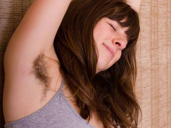 外国人女性のふさふさワキ毛の匂いを嗅いでシコシコオナりたいwww 01 21