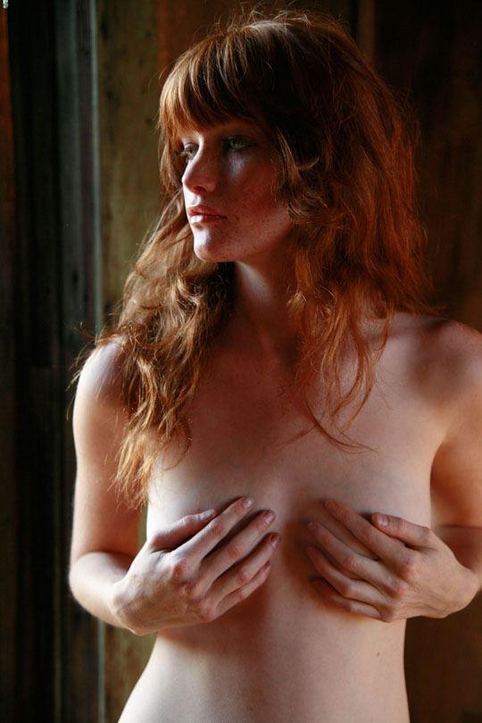 【ヌード写真外人エロ画像w】『ミ●ジョボビッチ激似キターーー』スタイル抜群美女が全裸ヌードで決めまくりwwww 1 73