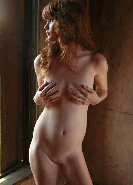 【ヌード写真外人エロ画像w】『ミ●ジョボビッチ激似キターーー』スタイル抜群美女が全裸ヌードで決めまくりwwww 11 59