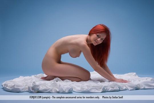 【チェコモデル、アリエル】『妖艶美女降臨wwww』スタイル抜群ボインの赤髪美女がたまらんのwwww 11 88
