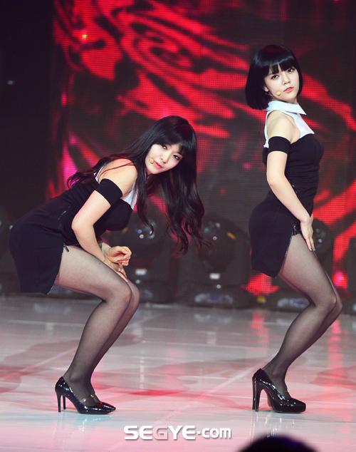 ---❖(゚∀゚)キタコレ!!ー韓国アイドルのエロ美脚がとんでもなくエロいぞwwwwww 13 108