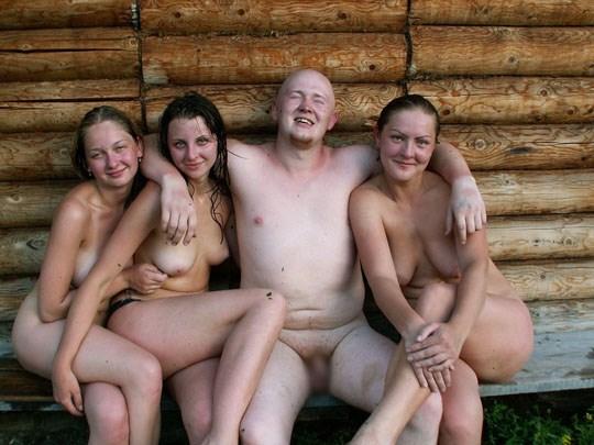 サウナに入るロシア人、全裸で男と女が一緒に入るなんてとんでもなく羨ましいwwww 15 21