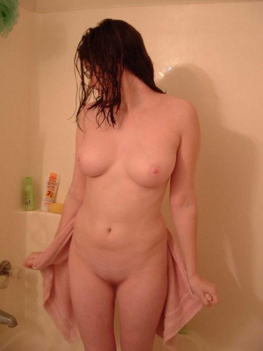 むちむちボインんちゃんがお風呂で自撮りしちゃうw乳輪ピンクでまだまだ遊んでないのかな???? 18 35