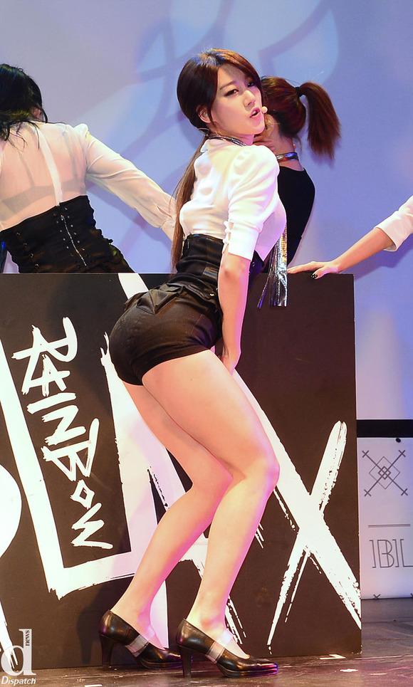 【韓国人エロアイドル】『パンティーとか余裕で見せちゃうアジアンビューティーが股間を熱くするよ、、、、、』 23 49