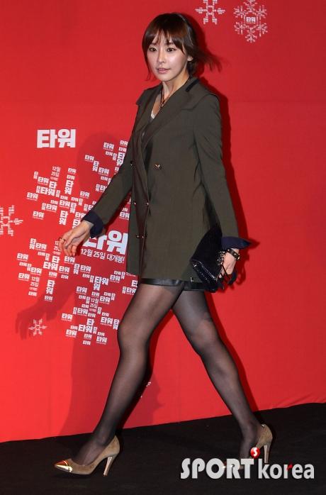 ---❖(゚∀゚)キタコレ!!ー韓国アイドルのエロ美脚がとんでもなくエロいぞwwwwww 23 82