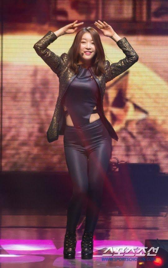 【韓国人エロアイドル】『パンティーとか余裕で見せちゃうアジアンビューティーが股間を熱くするよ、、、、、』 25 45