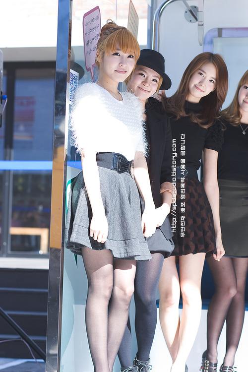 ---❖(゚∀゚)キタコレ!!ー韓国アイドルのエロ美脚がとんでもなくエロいぞwwwwww 27 62