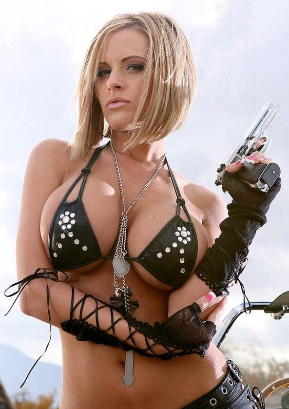 【外人コスプレエロ画像】『---❖キターーー!!』ゲームや映画の衣装をまとったコスプレイヤーが乳でかすぎて困る件!!!!!!! 3 126