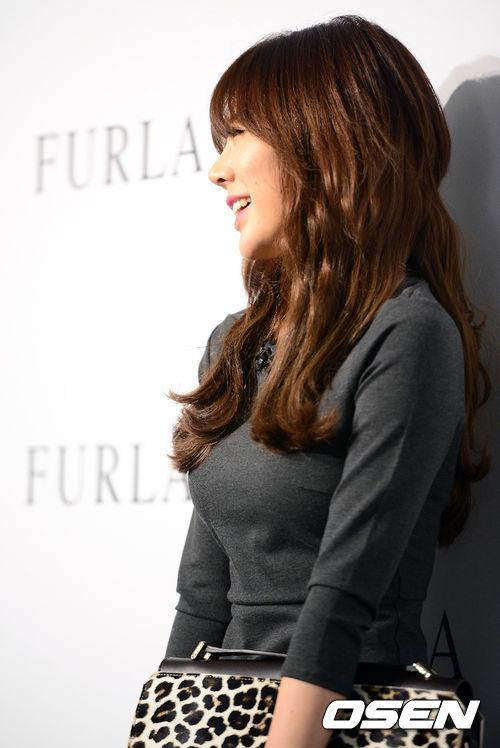 【韓国人エロアイドル】『パンティーとか余裕で見せちゃうアジアンビューティーが股間を熱くするよ、、、、、』 3 79