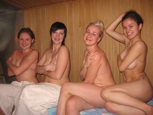 サウナに入るロシア人、全裸で男と女が一緒に入るなんてとんでもなく羨ましいwwww 48 5