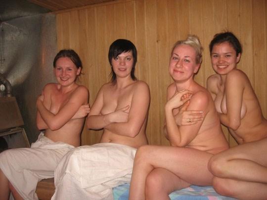 サウナに入るロシア人、全裸で男と女が一緒に入るなんてとんでもなく羨ましいwwww 49 3