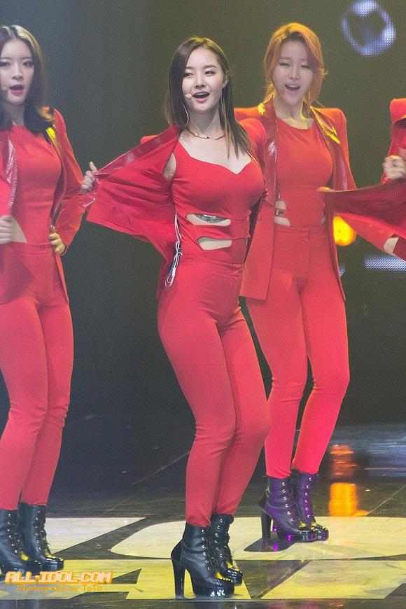 【韓国人エロアイドル】『パンティーとか余裕で見せちゃうアジアンビューティーが股間を熱くするよ、、、、、』 5 80